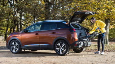 3008 minutes in a Peugeot 3008 - Rich cycle boot