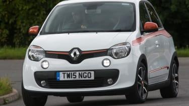 Triple test –Renault Twingo - front action