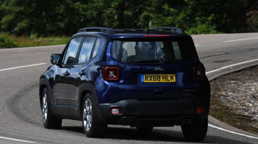 Jeep Renegade - rear cornering