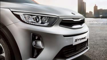 2017 Kia Stonic - headlights