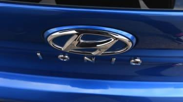 Hyundai Ioniq Plug-in - rear badge