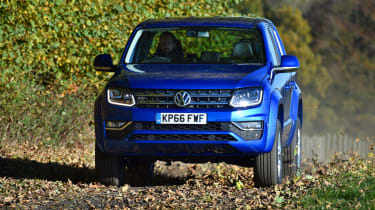 Volkswagen Amarok pick-up 2016 -  head on