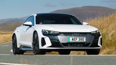 Audi e-tron GT - front action