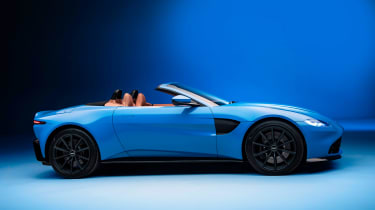 Aston Martin Vantage Roadster - side