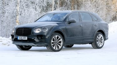 Bentley Bentayga - spies - front 3/4 tracking