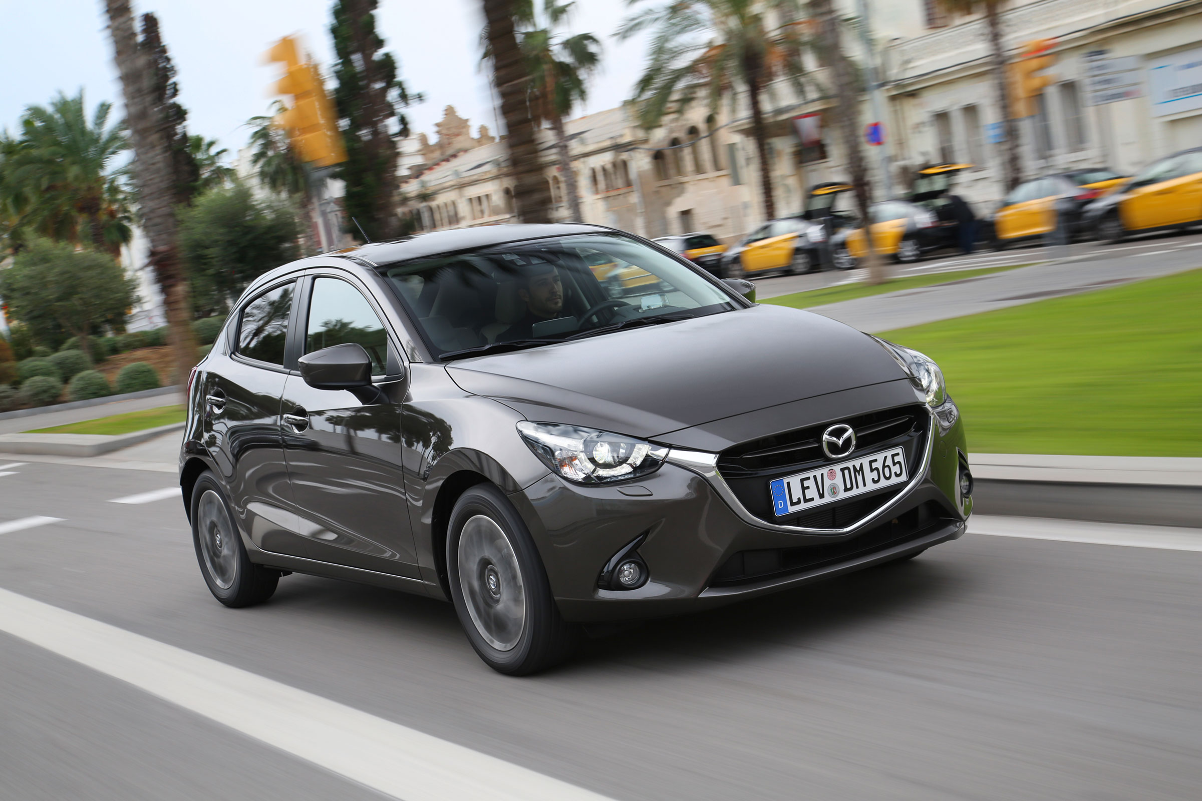 Kelebihan Mazda 2 Skyactiv Spesifikasi