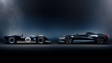 McLaren Elva and McLaren-Elva M1A - side