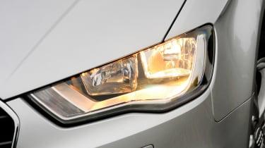 Audi A3 1.6 TDI SE headlight