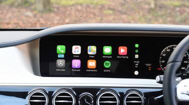 Mercedes S-Class - Apple CarPlay