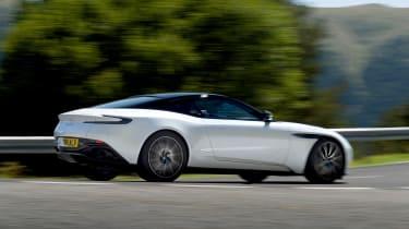 Aston Martin DB11 V8 - side action