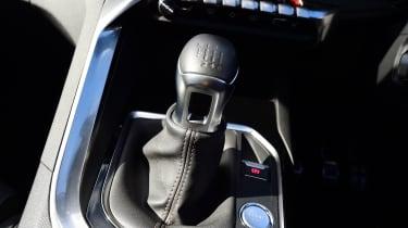 Peugeot 5008 - gear lever