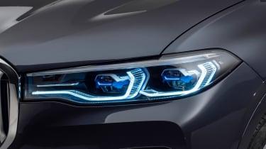 New BMW X7 studio shoot light