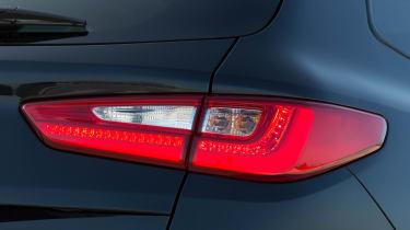 Kia Optima Estate 2016 - rear light