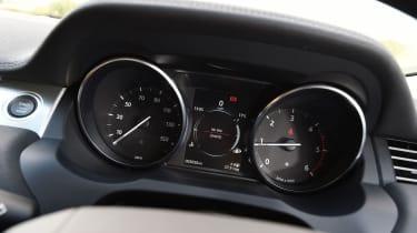 Range Rover Evoque SE Tech 2016 instruments