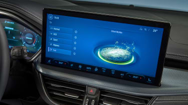 Ford Focus facelift - infotainment