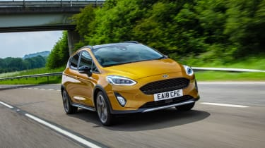 Ford Fiesta Active - front tracking