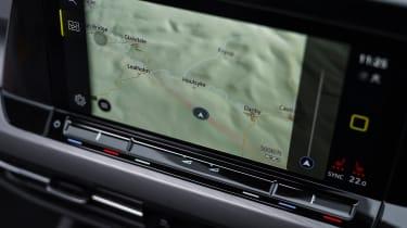 Volkswagen Golf eTSI drive - screen