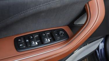 Maserati Levante - window controls