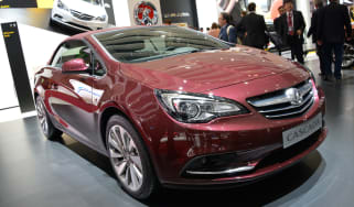 Vauxhall Cascada front tracking