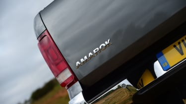 Volkswagen Amarok - tail light