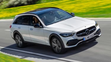 Mercedes C-Class All-Terrain - front tracking