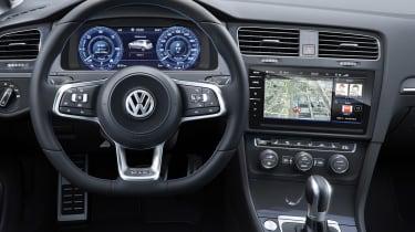 New 2017 Volkswagen Golf GTE - dash