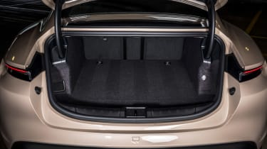 Porsche Taycan RWD - boot
