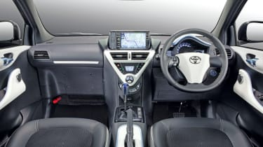 Toyota iQ EV dash