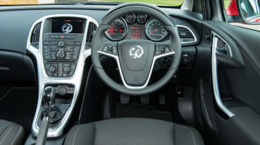 Vauxhall Astra SRi dashboard