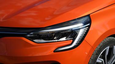 Renault Clio - front lights