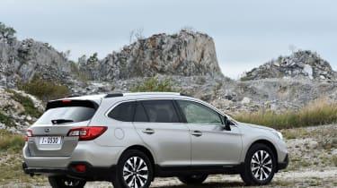 New Subaru Outback 2015 rear static