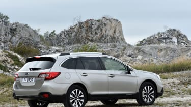 New Subaru Outback 2015 rear static