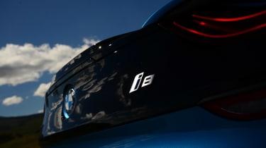 BMW i8 UK badge