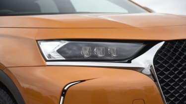 DS 7 Crossback headlight