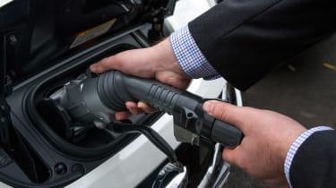 Nissan Leaf - plug-in