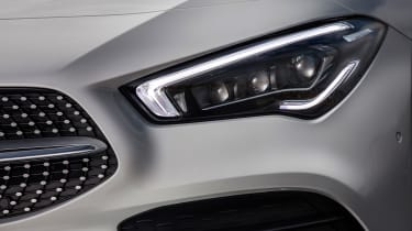 Mercedes CLA 250 AMG Line - headlight
