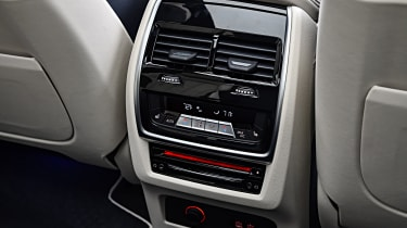 BMW X7 - rear air-con