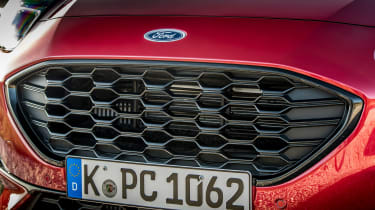 Ford Puma - grille