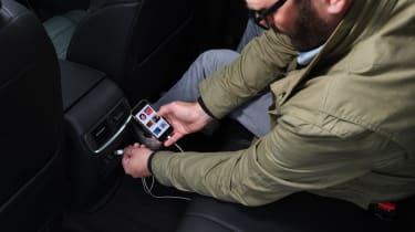 Honda CR-V - charging