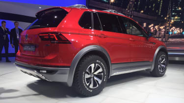 Volkswagen Tiguan GTE Active Concept - rear quarter show