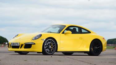 Porsche 911 Carrera 4 GTS - front static