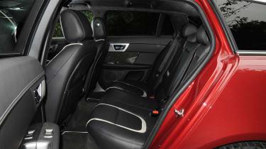 Jaguar XF Sportbrake 2.2 rear seats