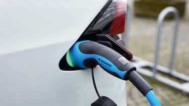 Tesla Model X - charging