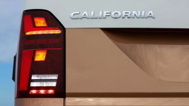 Volkswagen California T6.1 - rear light