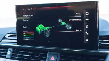 Audi RS 4 Avant - info screen