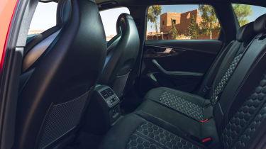 Audi RS 4 Avant - rear seats