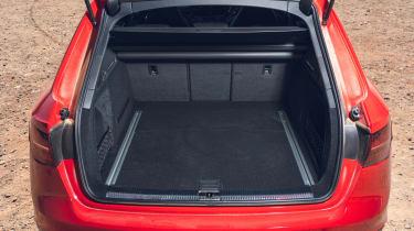 Audi RS 4 Avant - boot