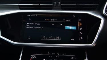 Audi RS6 2020 review - display