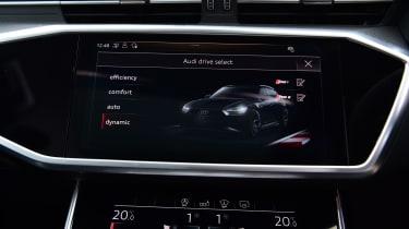 Audi RS6 2020 review - screen